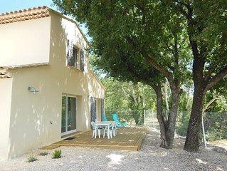 Villa a la campagne entre vignes et chenes proche d'Uzes