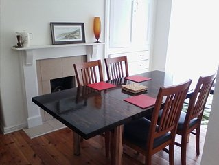 Saltburn Seaside Townhouse a few minutes from beach, restaurants ad station