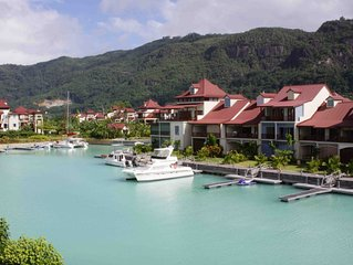 Luxury Loft Appartment on Eden Island with 3 Bedrooms, Views on Marina & Beach