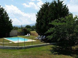 Belle maison toute equipee , sans vis-a-vis avec piscine