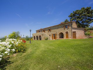 Luxury Farmhouse With Panoramic View And Swimming Pool Live the Dream of Tuscany