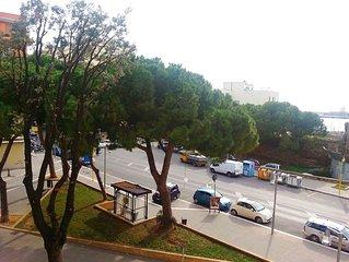 L'appartamento si trova in pieno centro a Civitavecchia, di fronte al porto.