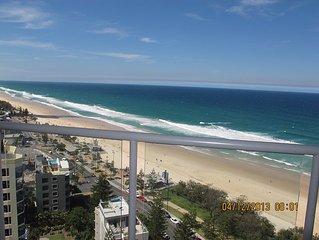 Vue panoramique du 21 etage sur la superbe plage de Surfers Paradise.