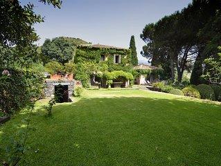 Villa in campagna con piscina privata, ampi spazi verdi