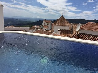 Charming 2 bed 2 bath house with stunning views and plunge pool (10x8x5)