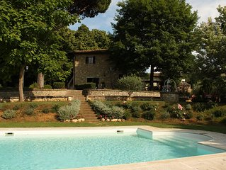 Apartment with pool and garden in the heart of Chianti