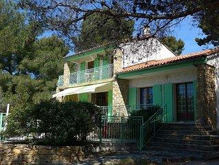 Villa de charme 'Terre Brulee'  : piscine, parc de 2350 m2, vue mer