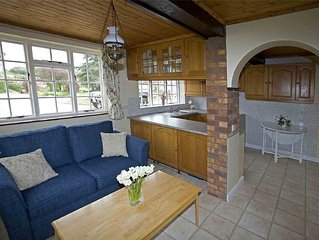 Set In Quiet, Rural Surroundings In The Heart Of The Otter Valley.
