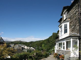 Superb Lakeland house with stunning views, WiFi,