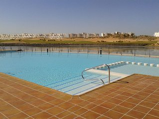 2 - Bedroom Ground-floor Apartment Ideal for a Family Holiday Or Golf Break.