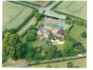 Luxurious Country House in Stratford upon Avon with tennis court and alpacas