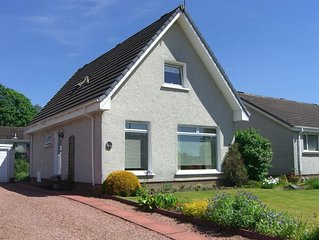 Trossachs Holiday Villa, Minutes from Callander Town Centre. Sleeps 8 + 1 Pet