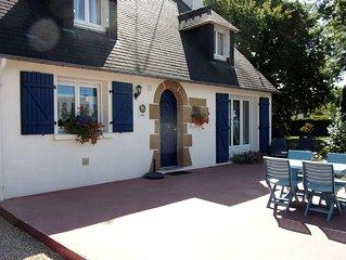 Sur la route des plages,  le gite 'La maison bleue' 3 chambres/6 personnes