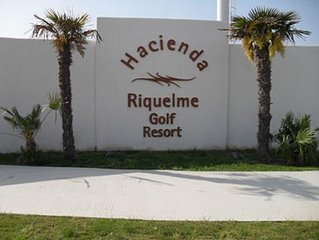 Spanish holiday apartment available for rental in Hacienda Riquelme, Murcia.