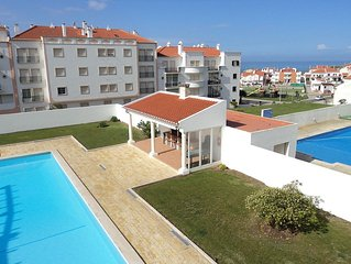Villa Oasis - large sunny townhouse with swimming pool, 5-minute walk to beach