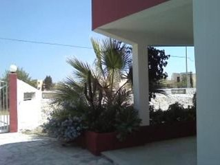 Villa WI-fi con giardino , in zona balneare Ognina/Asparano a  Siracusa