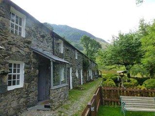 Cosy,romantic fellside cottage hidden in the Glen