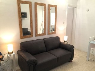 1 Bedroom Apartment In An Excellent Location. Close To All Amenities.