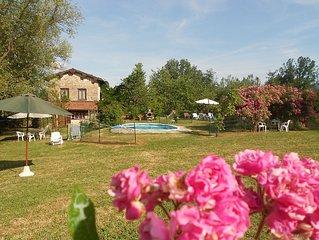 villa di campagna con piscina, giardino e wi-fi ottima per famiglie