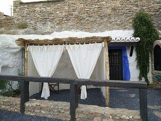 Cueva El Laurel in Balcones de Piedad set in Guad
