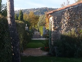 Montauroux Var 83 Pays de Fayence  lac St Cassien charmante maison 2pièces