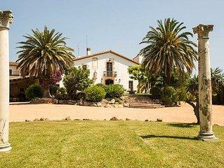 Fantastica masia pairal del s.XVI, Vistas al mar.