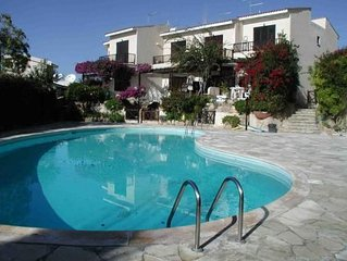Lovely 2 Bed Villa,Pool,Wi-fi,UKTV,Air-con,Store/Bistros/Deli 50mtres,Sea Views