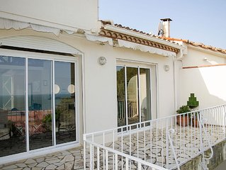 Unique 3-bd house w/lovely Mediterranean view, walk to shops, restaurants, beach