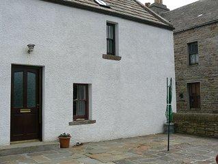 1 Bedroom Waterside Cottage in St Margarets Hope Orkney Sleeps up to 4
