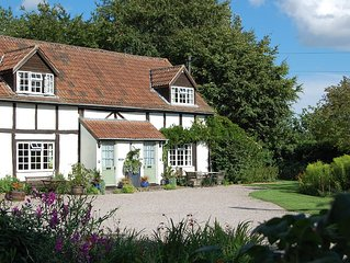 Stylish character grade ll self catering cottage in the heart of Herefordshire