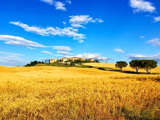 Podere In The Crete With Amazing And Relaxing View Only 15 Min From Siena