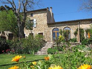Stylish Holiday House for 8 w. pool, near Carcassonne - Gite Maison Malepere