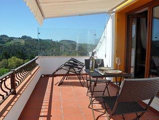 Queen bed studio loft apartment - bathroom, kitchenette & terrace 7km Obidos
