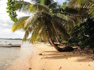Ambatorao Ile Sainte Marie: MAISON TYPIQUE MALGACHE SUR L' ILE DE STE MARIE