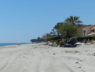 Villa en bord de mer, accès direct à la plage