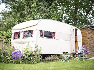 Willow - Vintage Caravan 1957 Bluebird Sun Parlour - sleeps 2