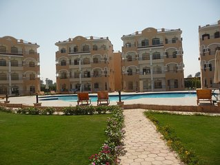 L99pw  Swimming pool, Nile, history, romance or adventure something for everyone