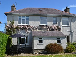 AVONDALE - DETACHED HOUSE 5-MINS STROLL TO MORFA