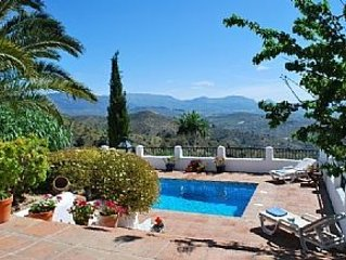Pretty Reformed Stables With Spectacular Views, Private Pool And Gardens