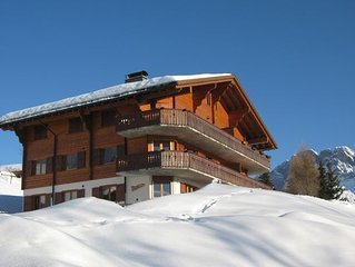 Beautiful, top floor, pet friendly, piste-side apartment with stunning views