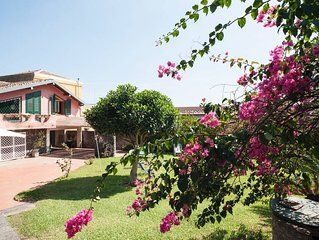 Charming Sicilian Villa With Park Between Etna & Taormina Near The Sea.Free wifi