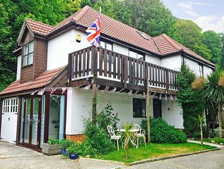 Beautiful & Luxurious Seaside Home