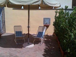Delizioso appartamento con terrazza in centro a due passi dal mare!  FREE WI-FI!