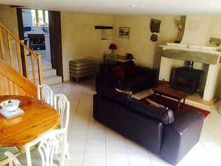 Luxury 3 bedroom, 2 bathroom family farmhouse with Pool and Games Room