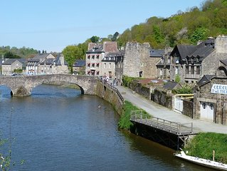Riverside apartment with sunny garden on the port of Dinan