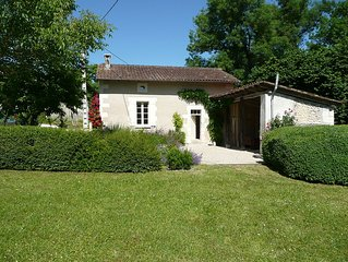 Charming one bedroom cottage in a small hamlet close to Aubeterre sur Dronne