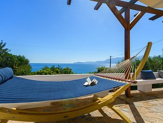 A quiet, garden and sea view villa