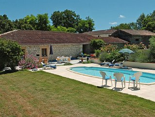 2 bedroom 2 bathroom traditional Quercy stone bar