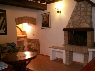 HOUSE WITH CHARACTER LOCATED IN HISTORIC CENTER! INTERNET WIFI FREE!