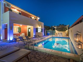 Arge 3-Bedroom Villa with Private Pool, near Zante Town